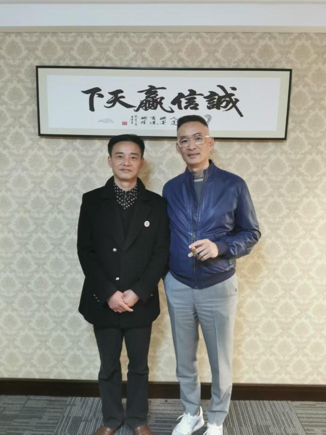 历史文化名人后代到访汉宫集团