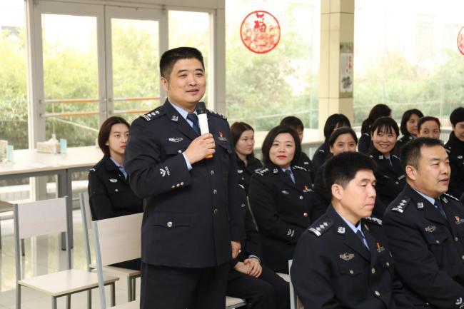 学党史悟思想   书香警营展风采