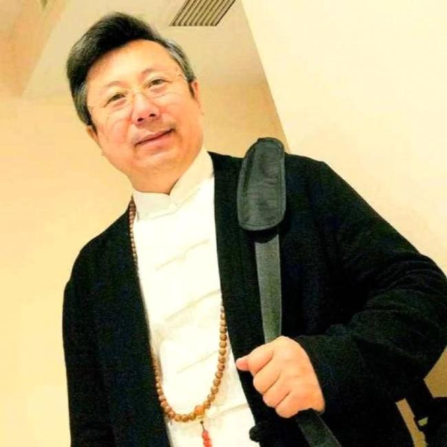 情系关帝 魅力五洲——著名艺术家朱肖金