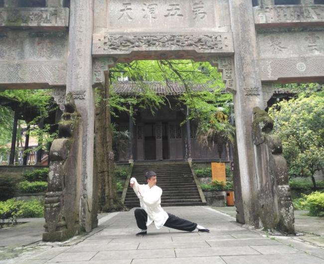情系关帝 魅力五洲——著名艺术家黄鑫楠