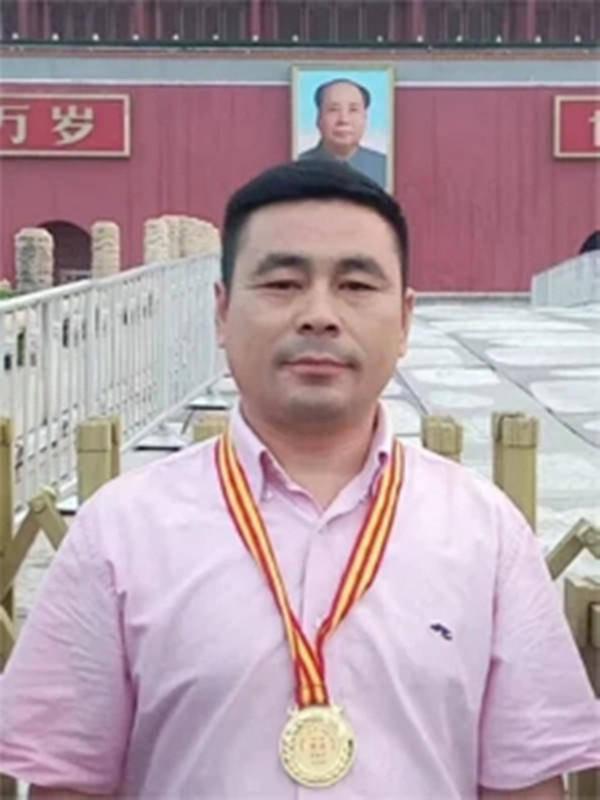 情系关帝 魅力五洲——著名艺术家范培华