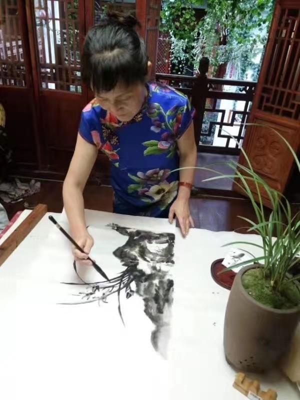 情系关帝 魅力五洲——著名艺术家闻玉萍