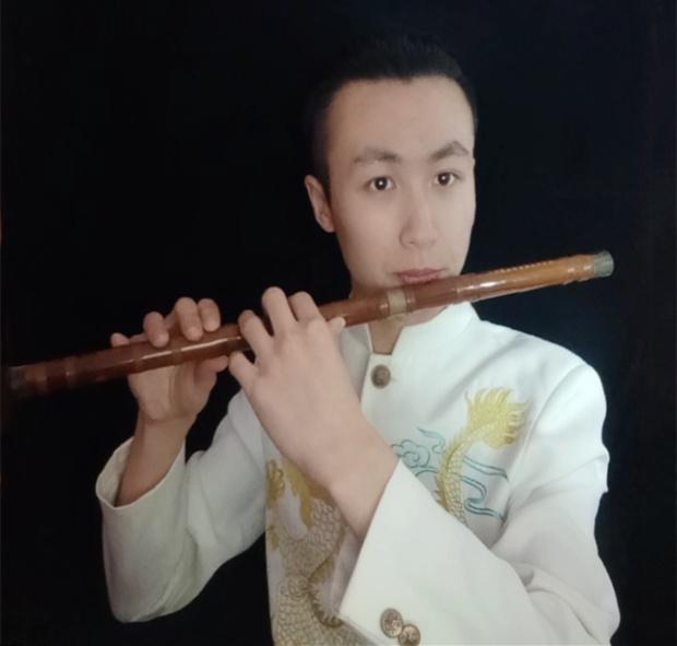 特邀笛子演奏家冯帅龙来中国音乐学院授课